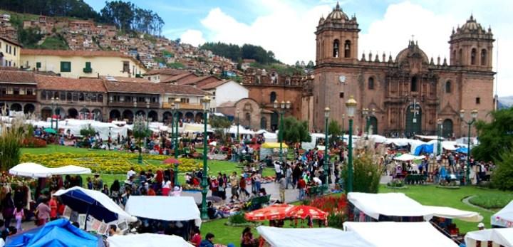 the-cusco-santurantikuy-christmas-fair